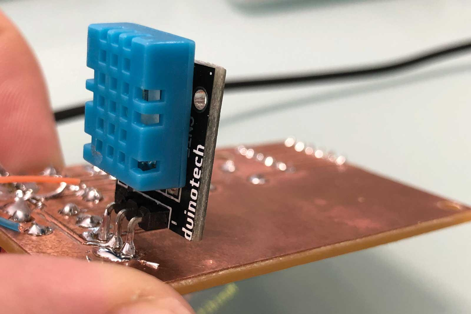 DHT sensor module can mount straight to the board